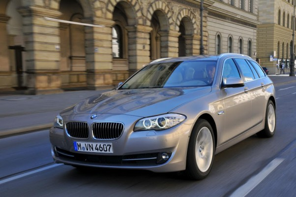 2011-bmw-5-series-touring-2010-metu-automobilis