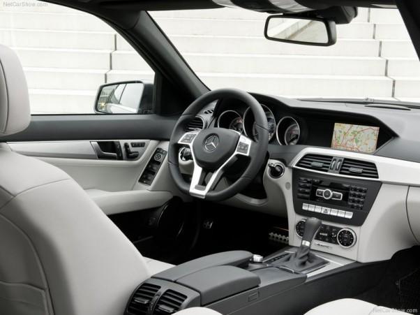 Mercedes-Benz-C-Class-2012-salonas-1