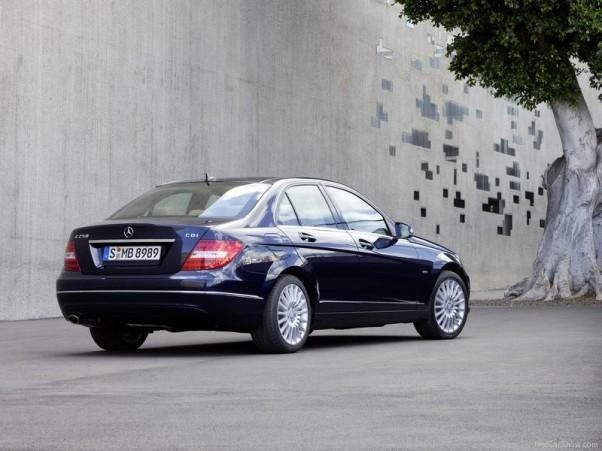 Mercedes-Benz-C-Class-2012-vaizdas-is-galo-galas