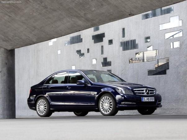 Mercedes-Benz-C-Class-2012-vaizdas-ispriekio-1