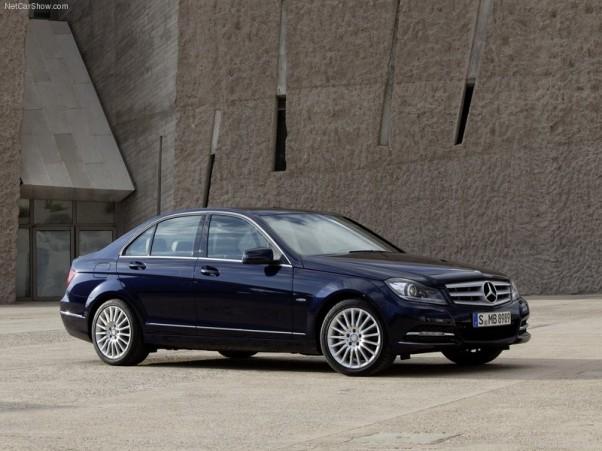 Mercedes-Benz-C-Class-2012-vaizdas-ispriekio