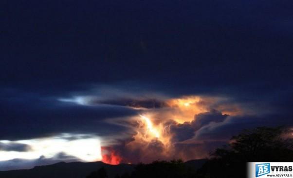 ciles-cile-ugnikalniai-vulkanai-ugnikalnis-vulkanas-issiverzimai-pelenai-cileje-13