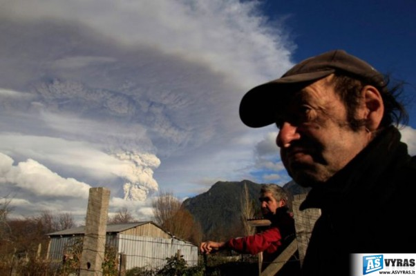 ciles-cile-ugnikalniai-vulkanai-ugnikalnis-vulkanas-issiverzimai-pelenai-cileje-16