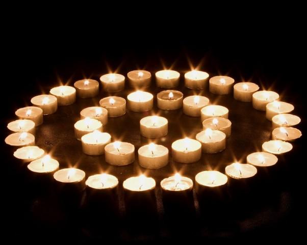Daug Žvakių