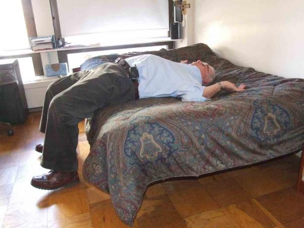 Vyras miega