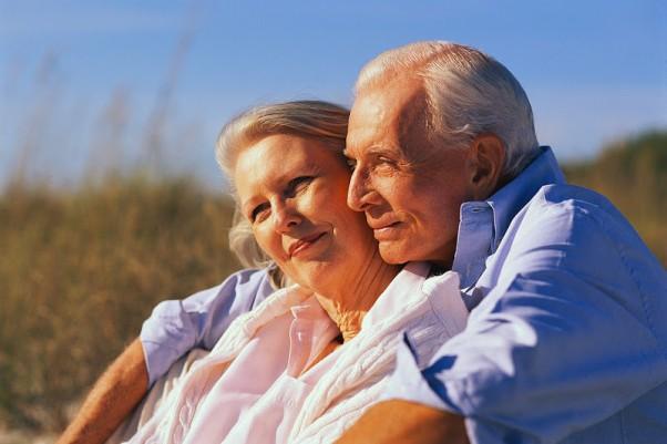Pagyvenusi pora platoniška meilė