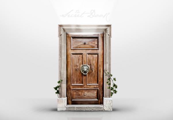 Slaptos durys