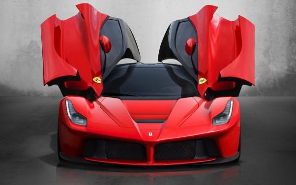 Automobiliu naujienos Ferrari LaFerrari 2014