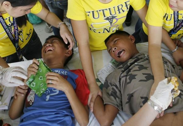 Vyriškumo išbandymas filipinuose - apipjaustymas