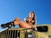 merginos-ir-masinos-automobiliai-armija-dzipas-kunas-nuogas