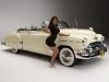 merginos-ir-masinos-automobiliai-retro-mergina