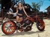 merginos-ir-motociklai-mergina-ir-motociklas-keistas-motociklas