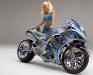 merginos-ir-motociklai-mergina-ir-motociklas-kendra-wilkinson