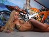 merginos-ir-motociklai-mergina-ir-motociklas-seksualioji-melisa