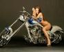 merginos-ir-motociklai-mergina-ir-motociklas-seksualus-bikinis