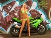 merginos-ir-motociklai-mergina-ir-motociklas-april-tashia