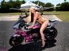 merginos-ir-motociklai-mergina-ir-motociklas-mergina-su-bikiniu
