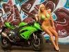 merginos-ir-motociklai-mergina-ir-motociklas-ninja