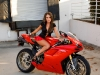 merginos-ir-motociklai-karstos-merginos-motociklai-ducati