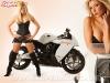 merginos-ir-motociklai-karstos-merginos-motociklai-neiprasta