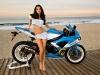 merginos-ir-motociklai-karstos-merginos-motociklai-pajuryje-nertiniai-apatiniai