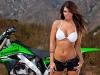 merginos-ir-motociklai-karstos-merginos-motociklai-su-krosoviku