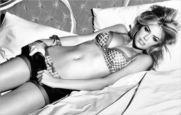 Kate Upton nusifilmavo naujam Guess Lingerie