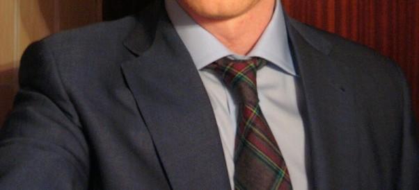 Languotas kaklaraištis - neatsiejama vyrų garderobo detalė