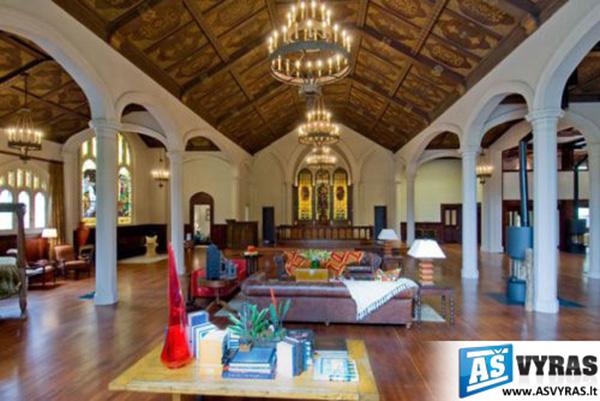Apartamentai bažnyčioje