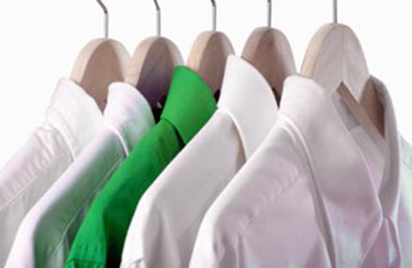 Pakaba - svarbi detalė rūbams saugoti