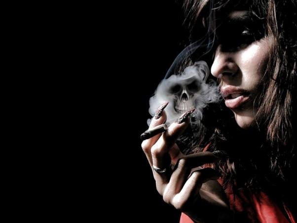 Rūkanti moteris - vaikų žudikė
