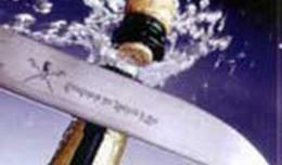 Kaip atidaryti šampaną peilio arba kardo smūgiu
